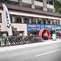 Hotel Bergland Intersport Rent Sölden Schaufenster