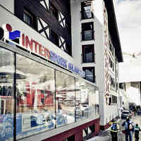 Intersport Rent Glanzer Sölden Schaufenster